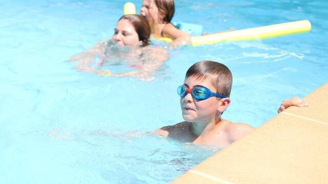 piscine au camping - ©PW Photographie / FDHPA17