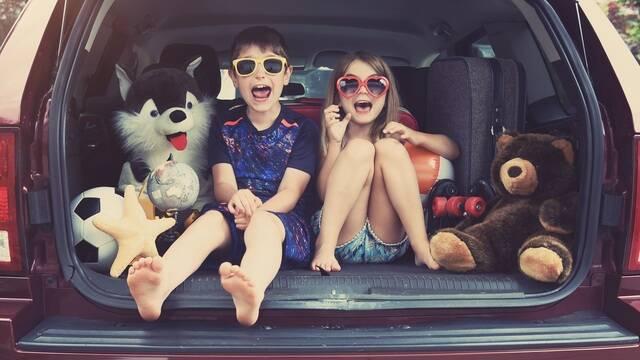 Enfants prêts à partir en vacances - ©Shutterstock