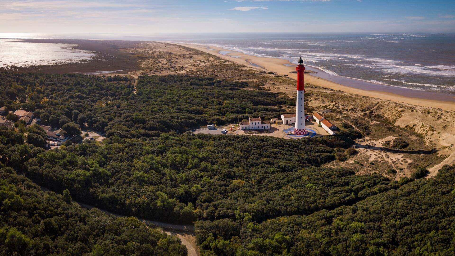 Vue aérienne du phare de la Coubre - ©Shutterstock
